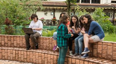 Fără ură, cu toleranţă - un concurs școlar pentru combaterea fenomenului de bullying